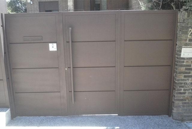 puertas peatonales y garaje madrid puertas exteriores metlicas